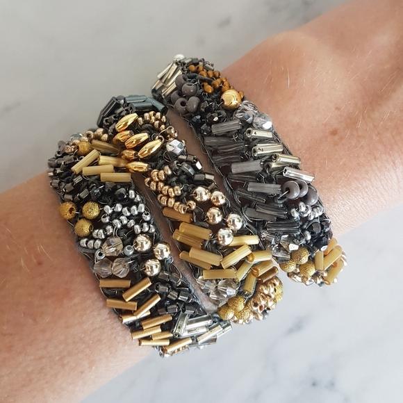 🌼 NWOT beautifully hand beaded bracelet